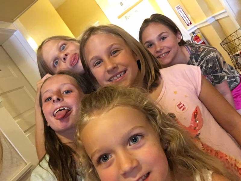 CT-Girls-Having-Fun